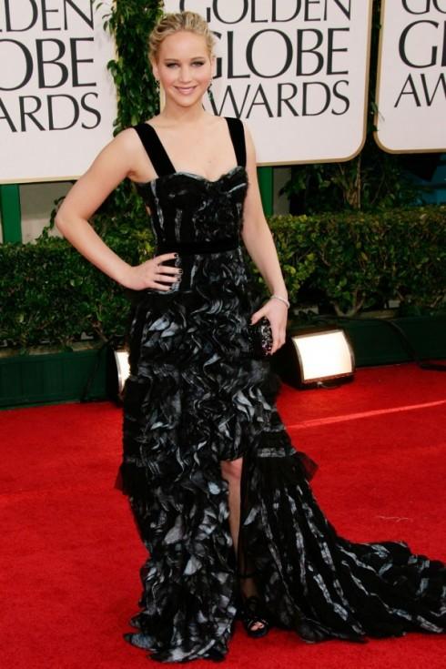 2011: Chiếc đầm Louis Vuitton tại lễ trao giải Quả Cầu Vàng lần thứ 68 khiến Jennifer Lawrence từng bước khẳng định hình ảnh của mình trong mắt giới truyền thông và người hâm mộ.