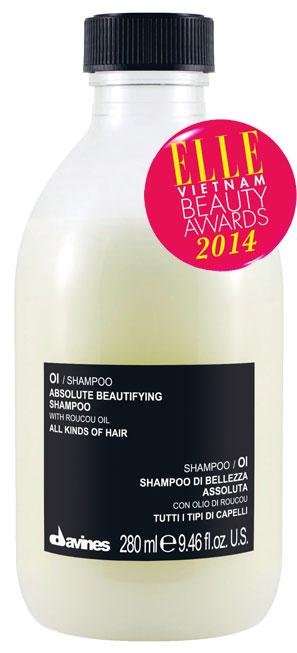 <strong>5. DAVINES OI Absolute Beautifying Shampoo</strong><br/>Dầu gội mềm mịn và đậm đặc, mang đến cho tóc độ mềm, bóng và chắc khỏe. Với thành phần dầu Roucou giàu Beta- Caroten dưỡng tóc nhưng không gây bết dính, dầu gội OI giúp tái tạo cấu trúc tóc, chống lão hóa và tăng độ đàn hồi. Hoạt chất chiết xuất từ Dầu hoa hồng mang đến cho tóc độ bóng đặc biệt. Sản phẩm không chứa Sulfate và không chất bảo quản Paraben nên phù hợp với mọi loại tóc. 341.000 VNĐ/280ml.