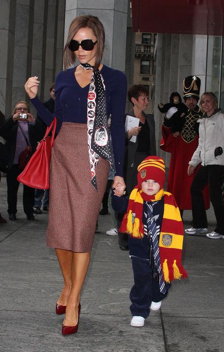 Năm 2008: Victoria cùng con trai Cruz.