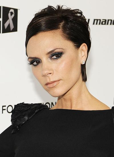 Năm 2009: Victoria tại tiệc của Elton John.
