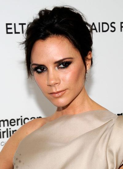 Năm 2010: Victoria tại bữa tiệc của Elton John