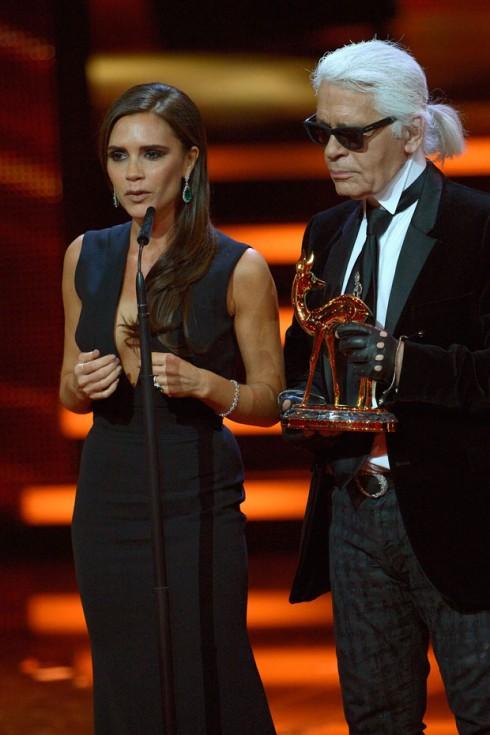 Năm 2013: Victoria nhận giải thưởng Thời trang tại BAMBI
