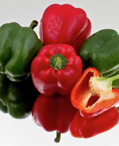 2. Thức ăn giàu Vitamin C. <br/>Các loại ớt xanh và đỏ cũng được coi là nguồn chứa nhiều Vitamin C