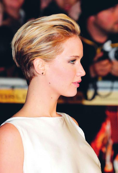"""<strong>Jennifer Lawrence</strong> <br /> """"Phụ nữ Paris táo bạo hơn khi nói đến chuyện cắt tóc"""