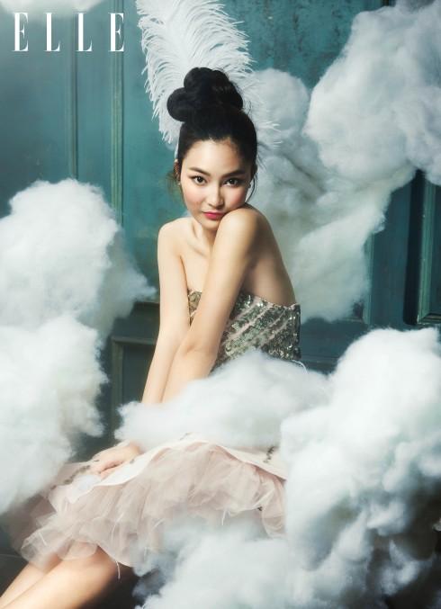Đầm Lê Thanh Hòa, phụ kiện của stylist