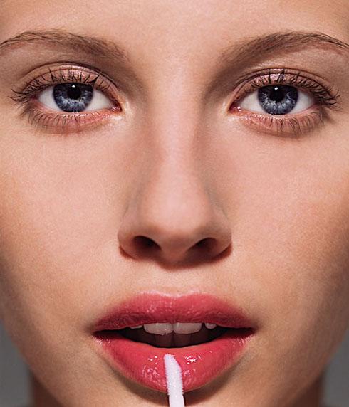 [365 Beauty Tips] Bí quyết trang điểm giúp bạn trẻ hơn 10 tuổi