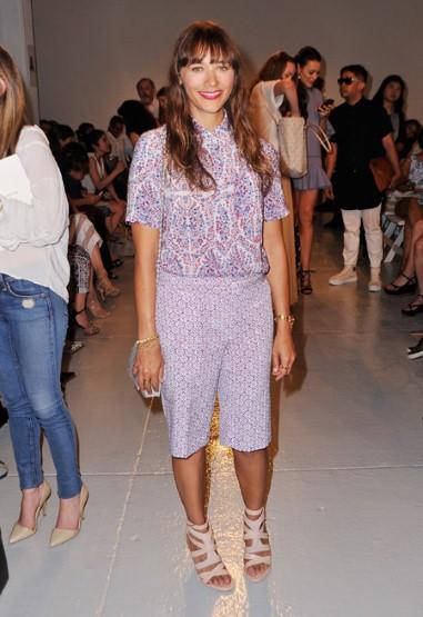 Diễn viên Rashida Jones đến dự show diễn của Rebecca Taylor (6/9)