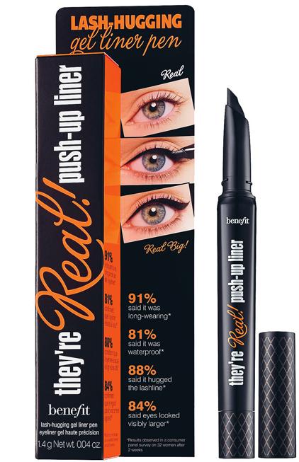 <strong>4. They're Real! Push Up Liner của Benefit</strong><br/>Nếu bạn thích vẻ đẹp sắc sảo của kẻ mắt dạng gel nhưng quá trình kẻ mắt bằng cọ thật quá phức tạp thì cây bút kẻ mắt này chính là giải pháp tuyệt vời dành cho bạn. Là bút kẻ mắt dạng gel đầu tiên có khả năng ôm sát làn mi, công thức của dung dịch kẻ mắt này không lem, không nhòe và cũng không khô cứng trên da. Đầu bút AccuFlex thật mềm mại trên làn da mỏng manh của mắt. Với they're real! push-up liner, bạn sẽ thật dễ dàng biến hóa các kiểu kẻ mắt khác nhau cho đôi mắt phượng.
