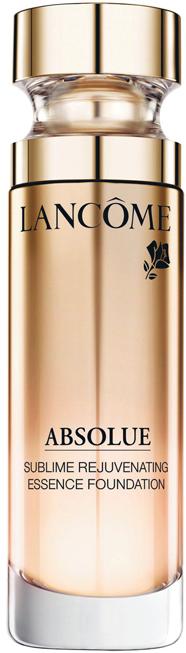 <strong>3, Phấn nước Absolue Sublime Rejuvenating Essence Foundation của Lancôme</strong><br/>Dòng sản phẩm dưỡng da Absolue của Lancôme được coi là một dòng sản phẩm tối ưu đại diện cho thị trường mỹ phẩm siêu sang của nhãn hiệu đến từ nước Pháp này. Chứa nhiều tinh chất dưỡng da nhất của Lancôme với bộ ba tinh dầu chanh, dầu trà và Pro-Xylane, phấn nước này cho cảm giác như đang dùng serum. Cọ kabuki nhỏ đi kèm giúp việc tán nền trở nên rất dễ dàng và làn da đẹp hơn từ trong ra ngoài.