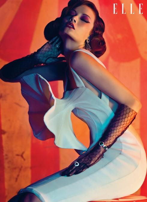 Váy đầm Nguyễn Hoàng Tú, Trang sức Swarovski