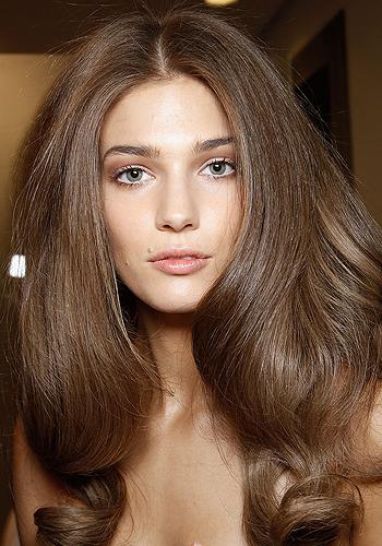 mái tóc phồng phụ thuộc vào dầu gội