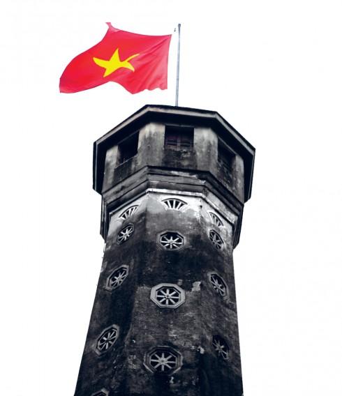 Ngày nay, Cột cờ Hà Nội vẫn đứng hiên ngang và là một công trình lịch sử nằm trên đường Điện Biên Phủ, thuộc quận Ba Đình, Hà Nội. Cùng với bảo tàng Quân đội, kỳ đài hơn 200 năm tuổi được xây dựng vào năm 1812 dưới thời vua Gia Long triều Nguyễn ngày nay đã trở thành một điểm tham quan di tích lịch sử không thể thiếu với du khách đến Thủ đô.