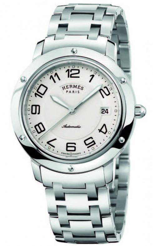 HERMÈS CLIPPER hướng tới sự đơn giản tinh tế trong phong cách để tôn lên phong cách lịch lãm của bộ suit đắt tiền.