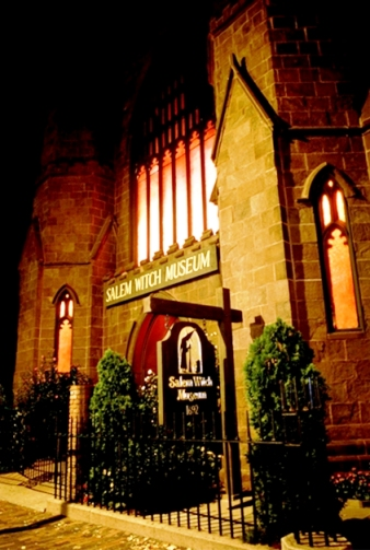 Bảo tàng phù thủy Salem luôn hấp dẫn du khách với những câu chuyện và hiện vật liên quan đến thế giới ma thuật và phù thủy