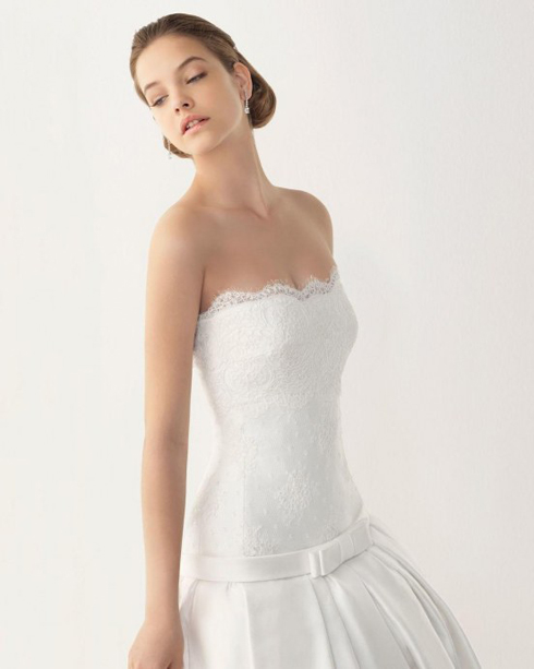 Cô dâu xinh đẹp với làn da trắng ngần trong ngày cưới