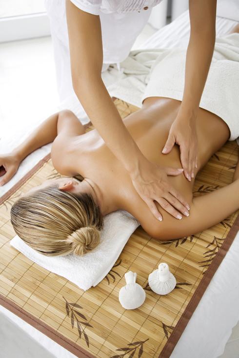 Massage giúp săn chắc cơ thể