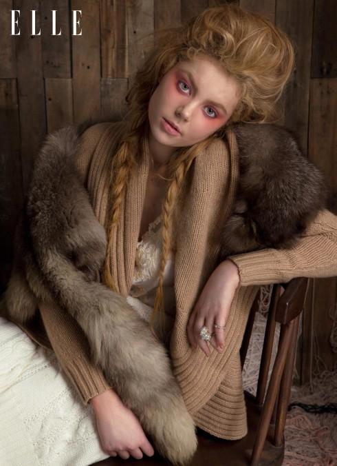 Áo lót lụa La Perla, Áo khoác len Ralph Lauren, Nhẫn Dior, Swarovski