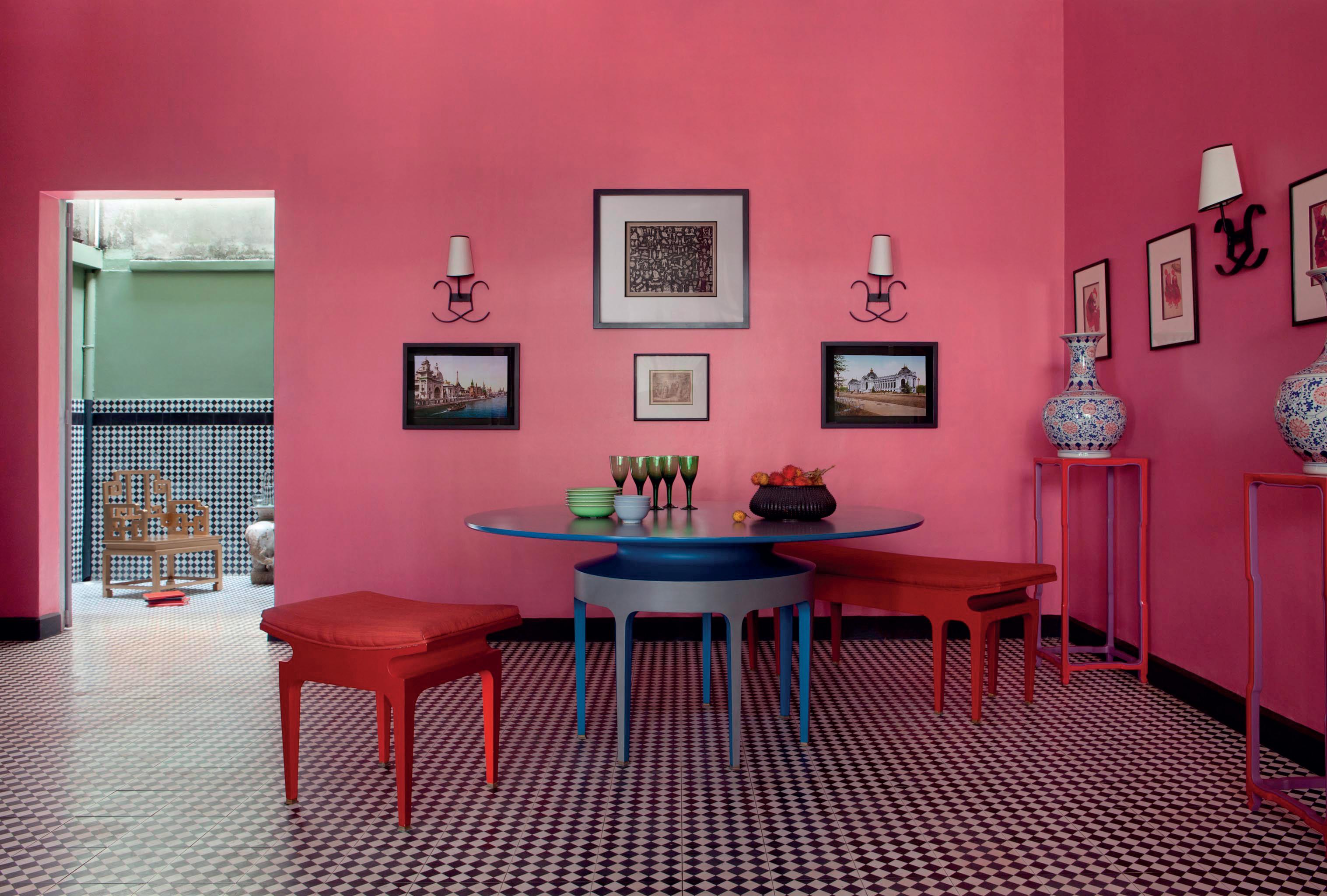 trang tr n i th t nhi u s c m u theo phong c ch 1950 elle. Black Bedroom Furniture Sets. Home Design Ideas