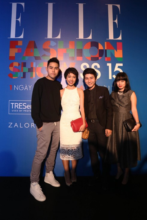 Nhà thiết kế Lâm Gia Khang (áo đen bên trái) và các BTV của ELLE