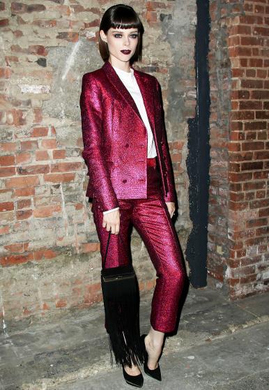 Coco càng thêm cá tính và mạnh mẽ trong bộ suit của Christian Siriano khi tham dự tuần lễ thời trang vào tháng 9 vừa qua.