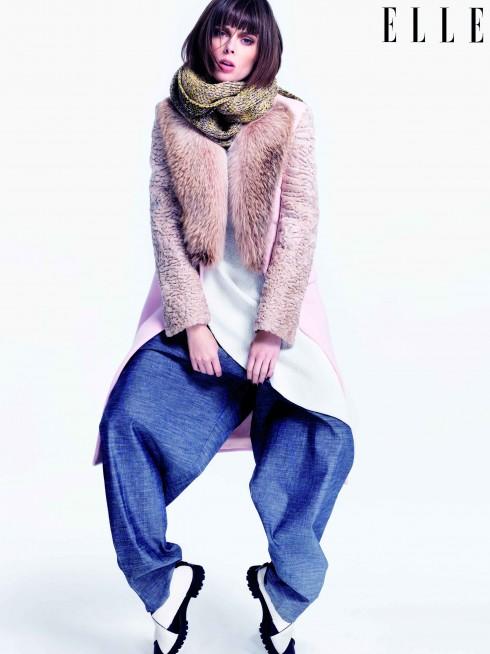 Áo khoác lông Givenchy, Khăn choàng Jonathan Saunders, Đầm Edeline Lee, Quần Tome, Giày Proenza Schouler
