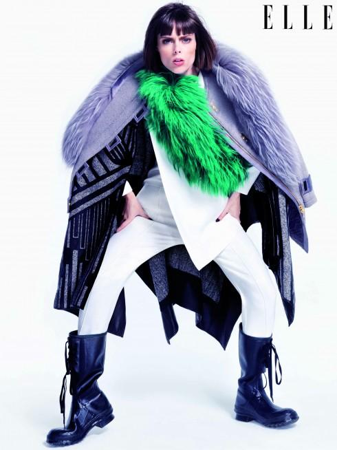 Áo khoác lông Jason Wu, Áo choàng Roberto Cavalli, Quần yếm trắng Eudon Choi, Khăn lông Marni, Ủng đi mưa Nicholas K
