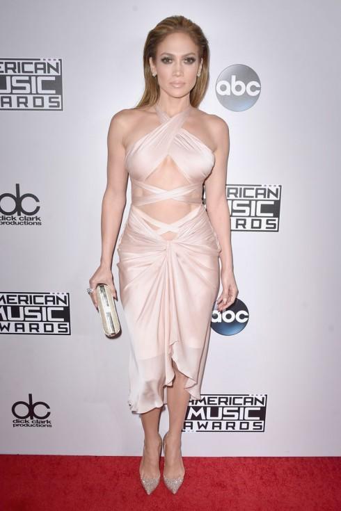 Jennifer Lopez và trang phục của Reem Acra