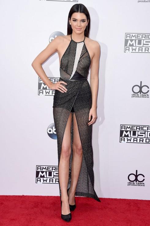 Kendall Jenner với đầm Yigal Azrouël