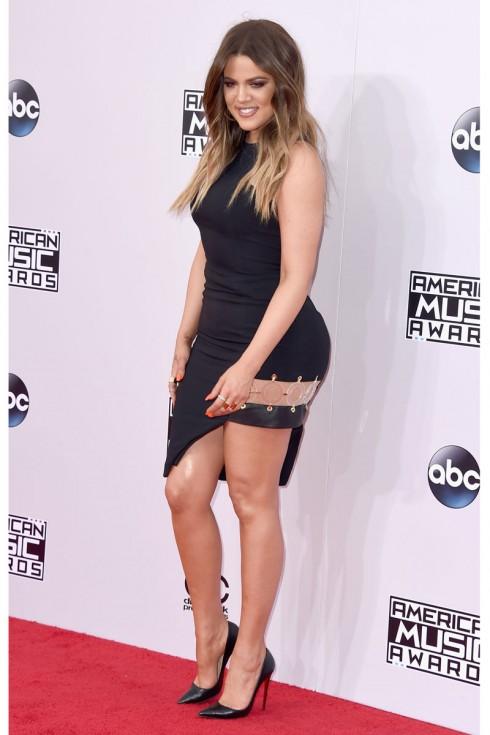 Khloé Kardashian với trang phục từ Versus Versace.
