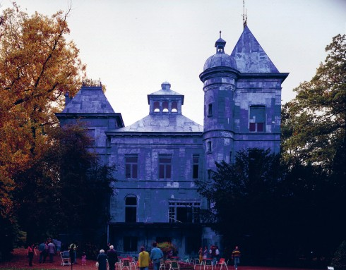 """Kiệt tác """"TIVOLI"""", tòa lâu đài ở Mechelen, Bỉ tác giả Jan Fabre"""