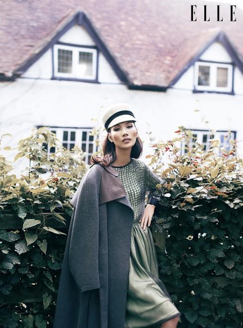Đầm và áo khoác Giorgio Armani, Mũ Kate Spade New York
