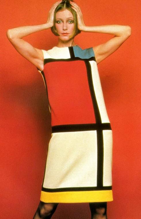 Chiếc váy Mondrian nổi tiếng của Yves Saint Laurent