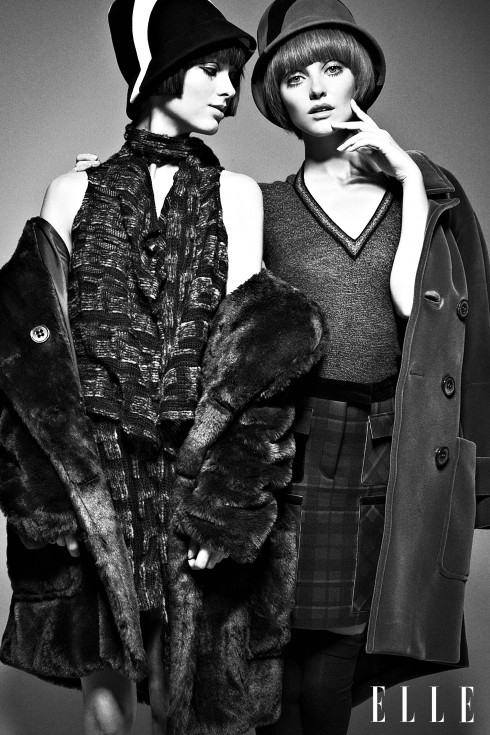 Masha (trái): Áo top và chân váy Anna Sui, Áo khoác Tommy Hilfiger, Mũ Eric Javits, Giày Jason Wu - Emily (phải): Áo sơmi Anna Sui, Chân váy và áo khoác Tommy Hilfiger, Giày Salvatore Ferragamo, Tất Wolford