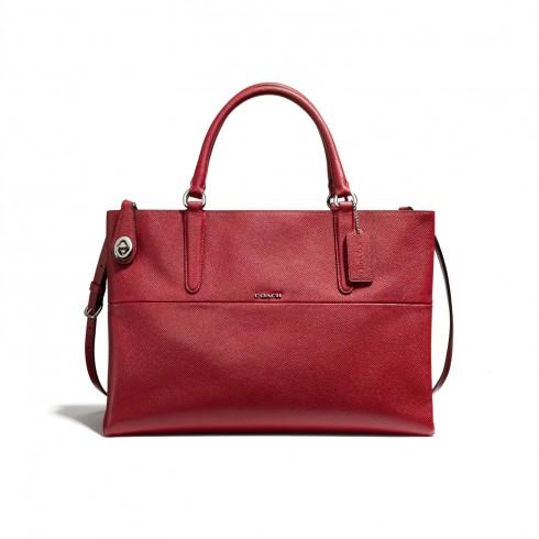 Túi Coach Borough đỏ , kiểu dáng tinh tế và sang trọng. Không thể thiếu trong bộ sưu tập túi xách của các quý cô.
