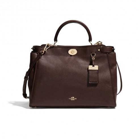 Túi Coach – Gramercy Satchel: Thiết kế sang trọng, dành cho các quý cô yêu thích sự sang trọng nhưng không kém phần tiện dụng.