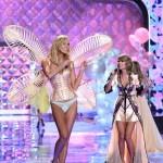 """Thiên thần Victoria's Secret hát theo """"Shake it off"""""""