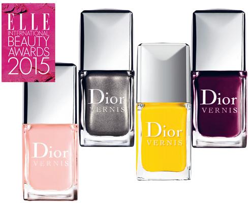 <em>Sơn móng:</em><br><strong>DIOR – Dior Vernis</strong><br>21 màu sắc đủ để nhấn chìm mọi cô gái. Đầu cọ to và dễ điều khiển, dễ dàng để bạn có thể tự sơn móng tay. Màu lên bóng bẩy và nhanh khô.