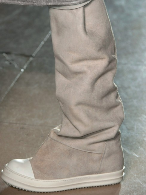 Cơn lốc của giày sneakers
