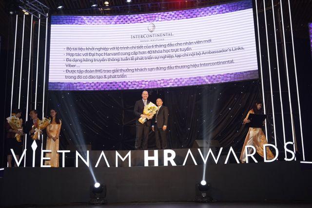 ellevn InterContinental Hanoi Westlake nhan giai thuong Vietnam HR