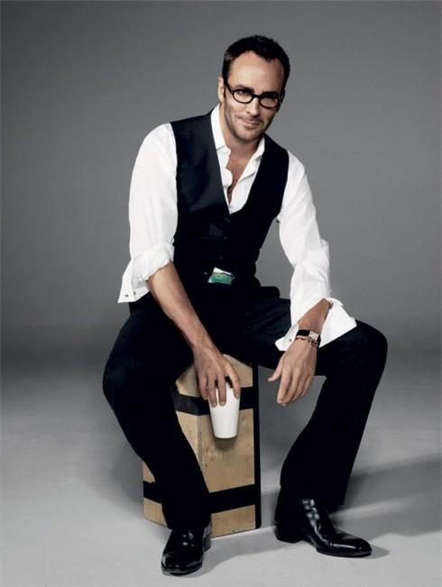 """<strong>Tom Ford</strong> <br><br> Năm 2011, ESA đã dành tặng cho anh hai giải thưởng khác nhau: """"Nhà thiết kế toàn cầu"""" và """"Người đàn ông của năm"""". Trong những năm tiếp theo, tên anh luôn xuất hiện trong những hạng mục đề cử của ESA. <br><br> Tom Ford là người tiên phong trong xu hướng thời trang gợi cảm và pha lẫn nhục dục. Tom đã tìm ra lằn ranh giữa cả hai và biến nó thành phong cách riêng trong thiết kế của mình."""