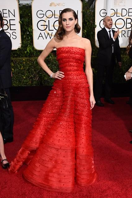 Allison Williams trong bộ váy của Armani Privè