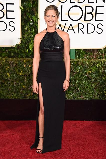 Jennifer Aniston trong trang phục Saint Laurent