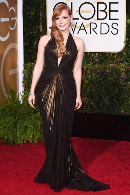 Jessica Chastain mặc chiếc đầm Versace