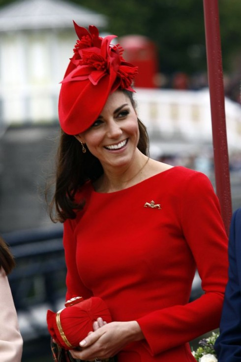 Kate Middleton trong một thiết kế của Jane Taylor