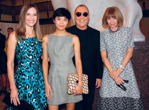 Kim Nguyễn trong buổi tiệc cùng NTK Michael Kors và TBT Vogue Anna Wintour