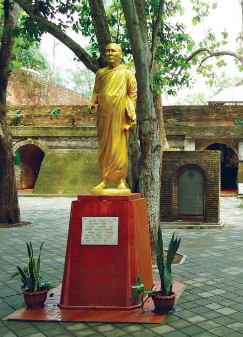 Quang cảnh chùa Wat UMong