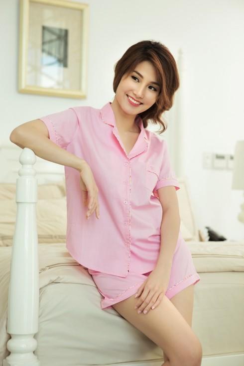 Bộ shorts pijama hồng viền hoa nhí, đang là sản phẩm BEST BUY của VINCY.