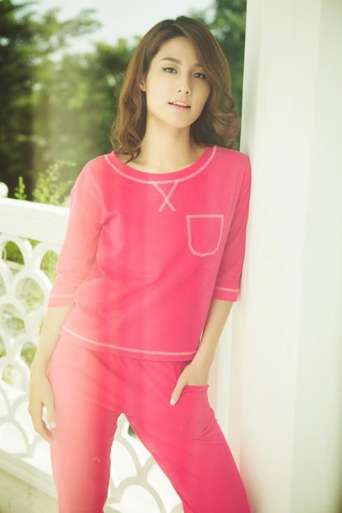 Bộ thun cotton dài màu hồng, dành cho những ai yêu thích sự đơn giản và năng động.