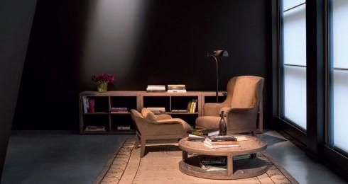 Những thiết kế của Bottega Veneta thường theo tông màu trầm và trung tính, mang đến vẻ đẹp nhẹ nhàng, kín đáo và sang trọng.