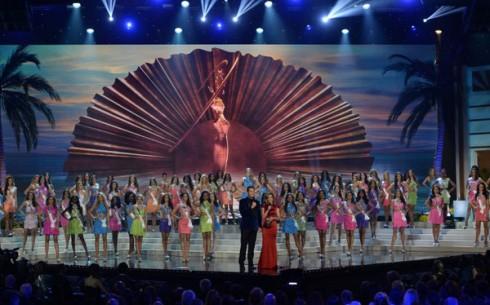 Toàn cảnh đêm chung kết Hoa hậu Hoàn vũ lần thứ 63
